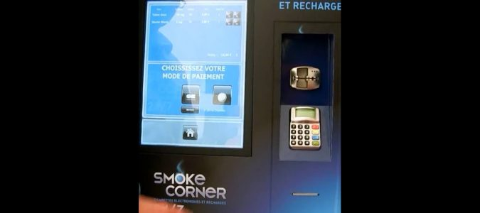 Distributeur automatique e-liquide et e-cigarette