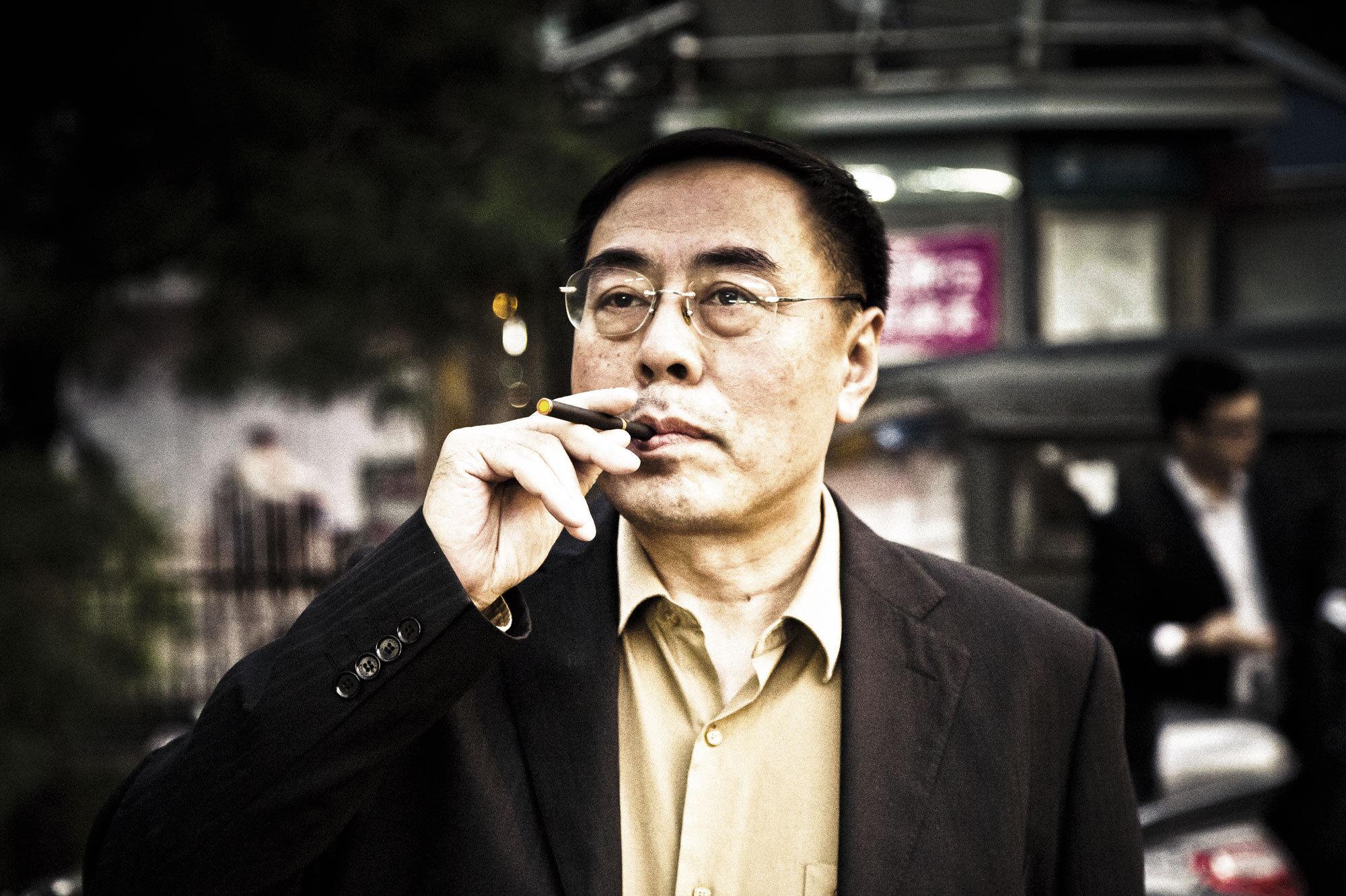 Hon Lik createur de la cigarette électronique